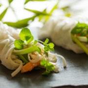 Vietnamesiske forårsruller med krabbeklør