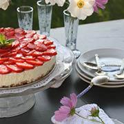 Cheesecake med citronmarinerede jordbær
