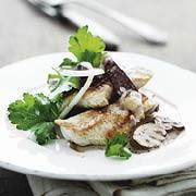 Kalkun med gorgonzola og svampecreme