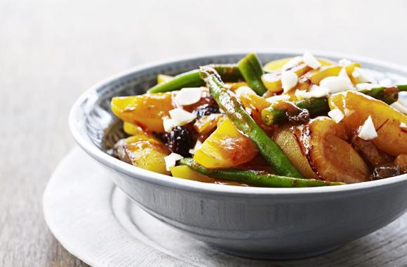 Grøntsagstagine med kartofler, løg og grønne bønne